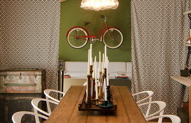 Dining/ Family Area: Eclectic Design, Bike Storage, Idea, Rollers Blinds, Eclectic Dining Rooms, Tables Centerpieces, Rustic Dining Rooms, Dining Rooms Design, Vintage Inspiration