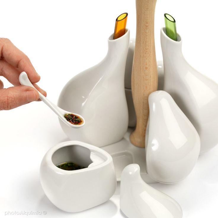 Ajorí, un accesorio de cocina que agrupa seis recipientes para contener los productos que más utilices para aliñar tus recetas.