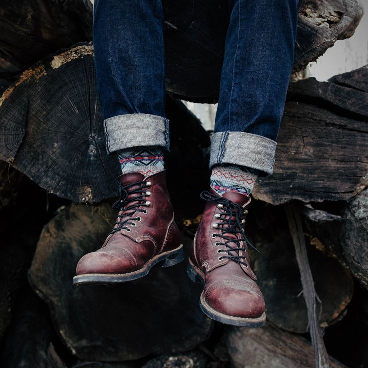 """With the Mini-lug Sole, 8119 Iron Rangers are holding up beautifully after several months of stomping in """"snow, rain, mud, urban decay and countless hikes."""" #redwingheritage #myredwings #8119 : @youngsilhouette"""
