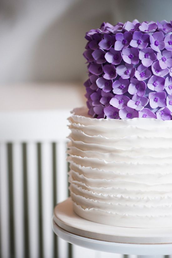 Megan & Zelko's Chic Sydney Wedding- If I was having a wedding cake this would be it!