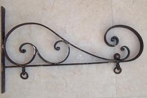 Rusty Classic Decor Wrought Iron Sign Wall Bracket