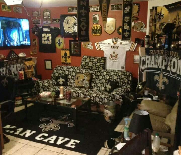 Die Hard Saints Fan Man Cave My New Orleans Saints Diva
