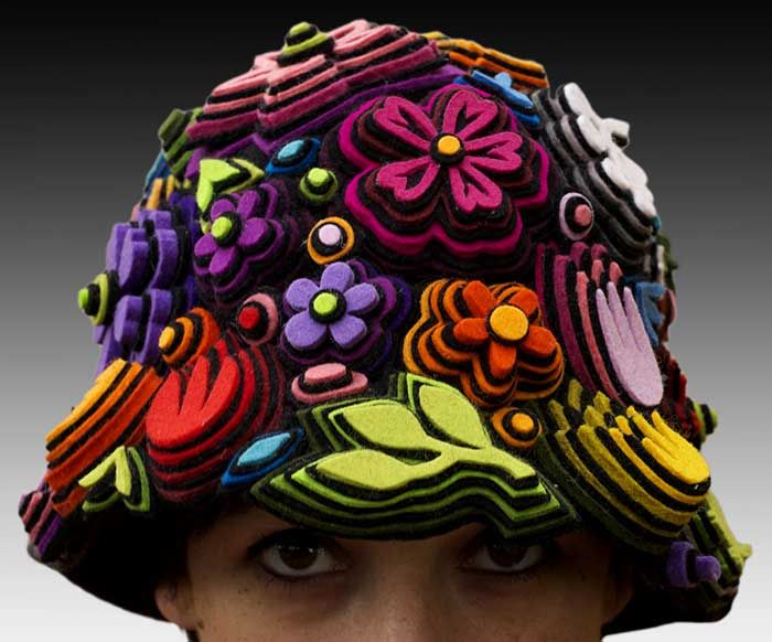 Q legal!Danielle Gory Montanelli, Felt Crafts, Daniel Gorimontanelli, Textiles Artists, Felt Hats, Felt Flower, Daniel Gory Montanelli, Artists Daniel, Fleece Hats