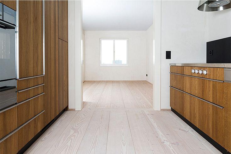 pur natur projekt_Leimgruber Architekten_Zürich_Douglasie Natur Dielen_Küche