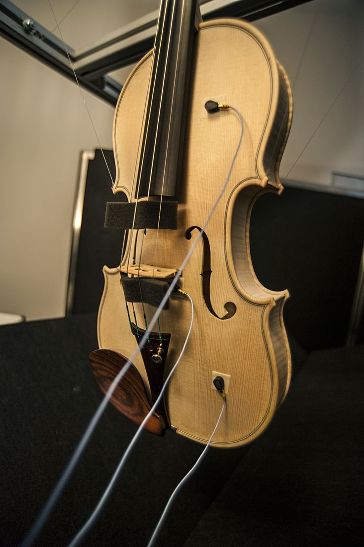 A violin, ready to be analysed.