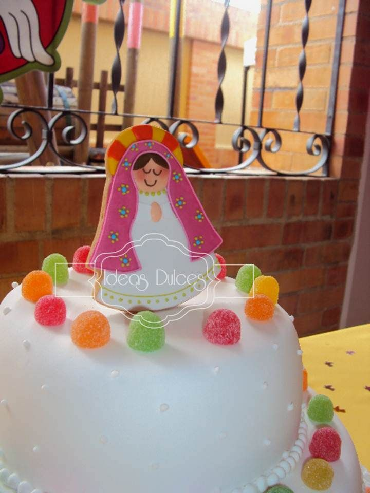 Virgencita Plis para la torta de primera Comuión de Camila en Bucaramanga