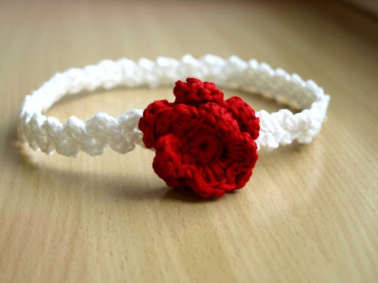 Old rose crochet headband (pattern by monpetitviolon)
