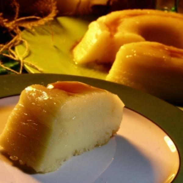 Receita de Receita de Pudim de Pão - 3 unidades de pão francês, 1 1/2 copos de leite, 1 copo de açúcar, 2 unidades de ovo, 50 gr de queijo ralado, 4 colhere...