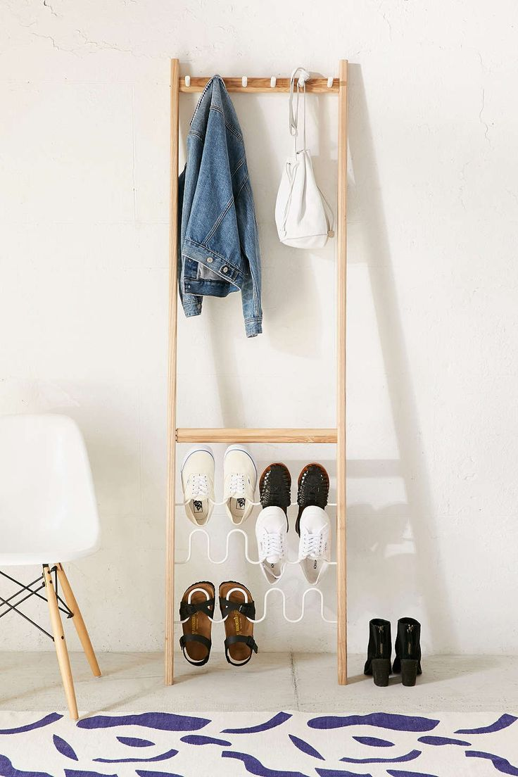 Leanera Leaning Shoe Storage
