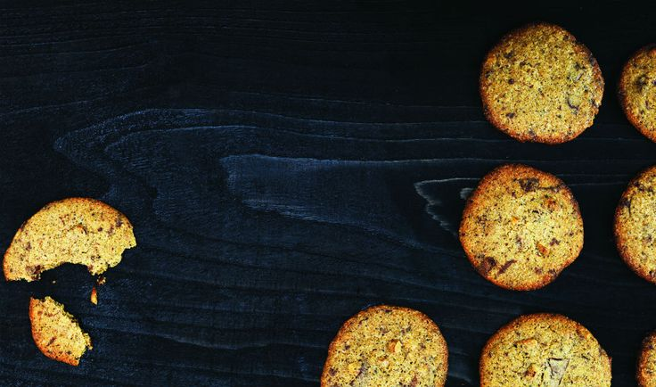 Lakridscookies med mørk chokolade af Claus Meyer - Lakrids by Johan Bülow