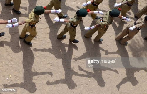 National Cadet Corps(NCC) students march during Indian... #saintboes: National Cadet Corps(NCC) students march during Indian… #saintboes