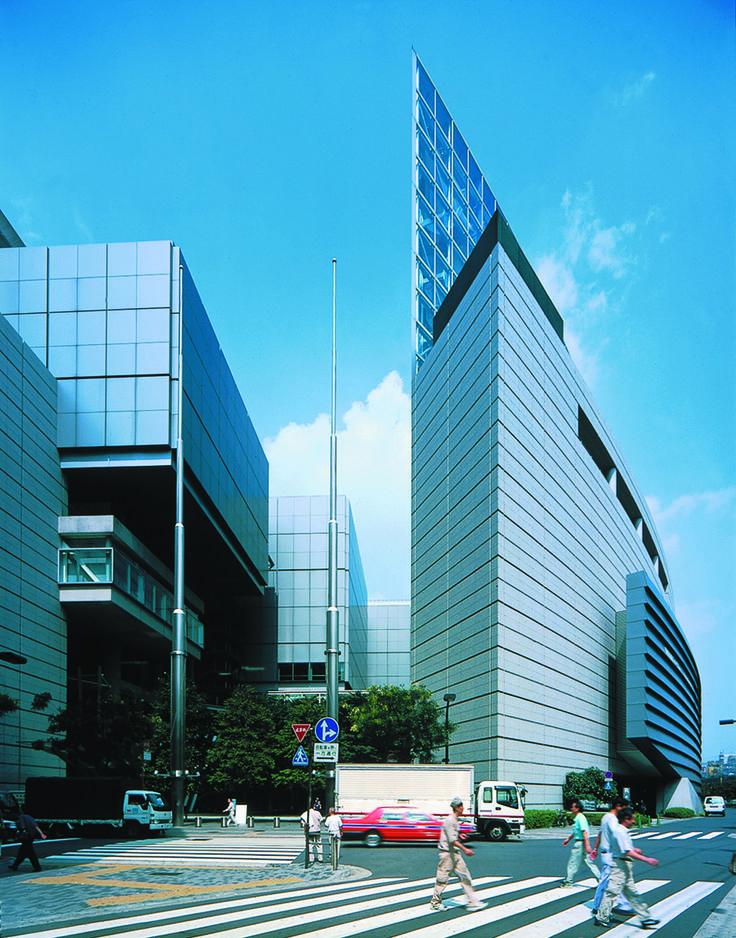 Tokyo International Forum | Rafael Viñoly Architects | Street view