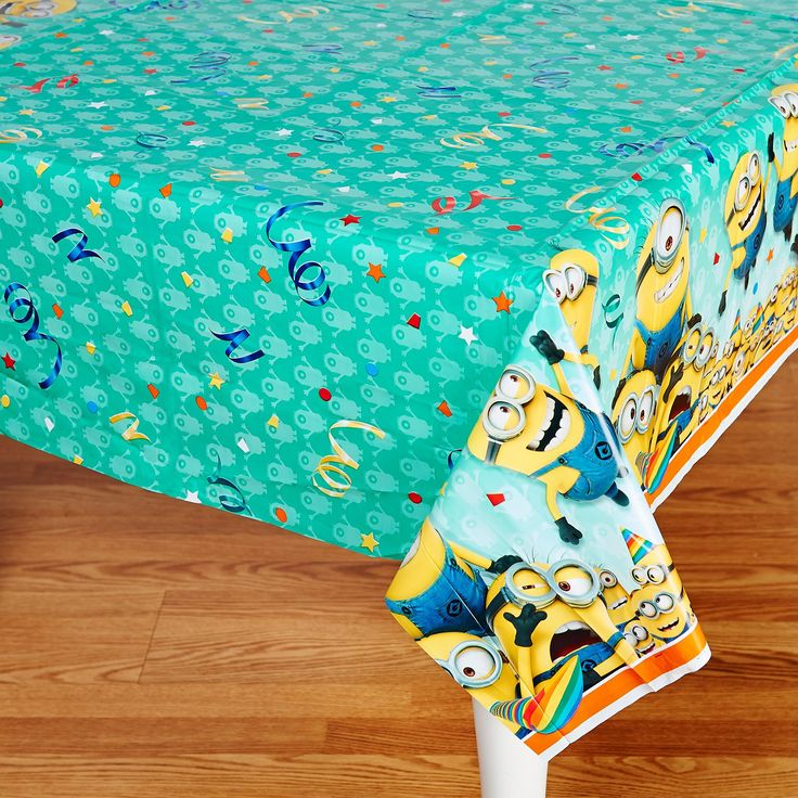 Minions Despicable Me - Plastic Tablecover