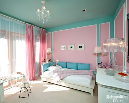bedroom in turquoise and pink