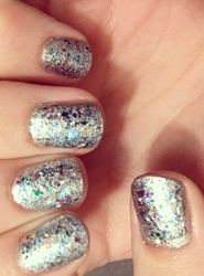 silver sparkle nails new years eve nail art