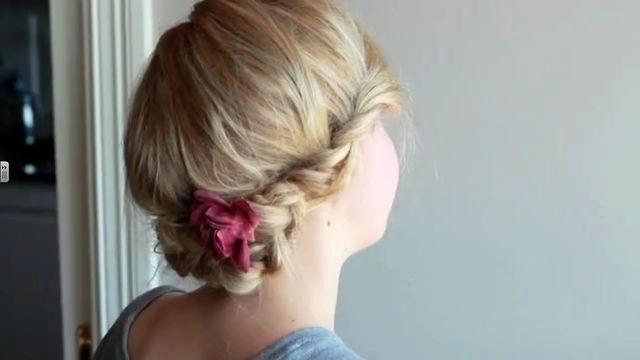 DIY: Flettet oppsats by Sørlandsstil. Lena viser dere hvordan man kan lage en enkel hårfrisyre for hverdag og fest.