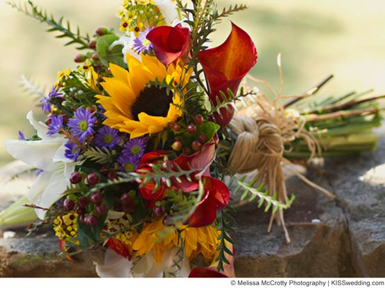 autumn sunflower bouquet | Ideas for a Budget Wedding Bouquet Made With Fall Wedding Flowers -