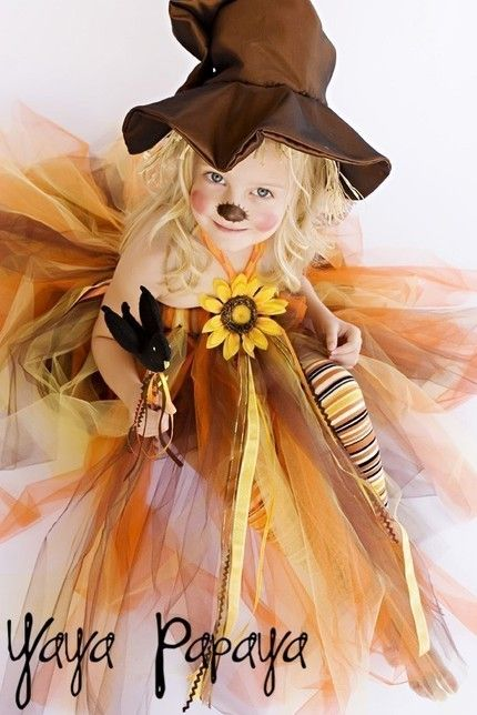 Might do this for the girls to year!! adorable scarecrow tutu costume
