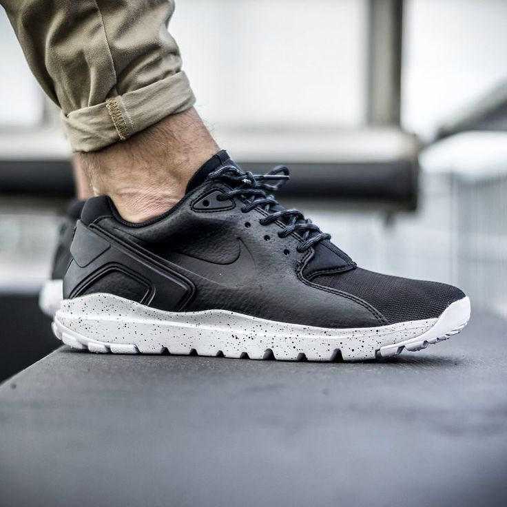 The new Nike Mobb Ultra Low are now available  </div><div id=