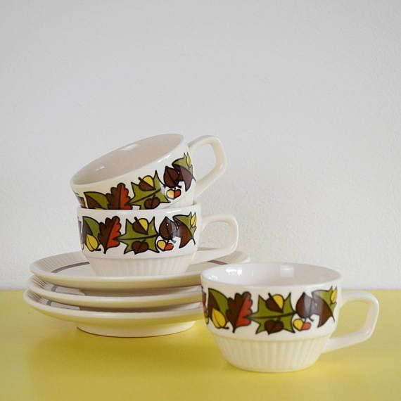 Gorgeous tea cups and saucers available in our Etsy Shop. These could be both autumnal but also festive so perfect for this time of year! Order by the 19th December for Christmas delivery