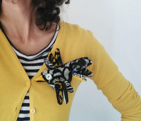 Spilla uccellino  gioiello in stoffa di LaGagiandra su Etsy