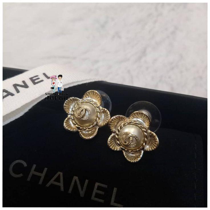 พรอมสงคะ CHANEL #earring Price 1xxxx bath อปกรณครบคะ @shop_kawaii_japan hug_japan  ดสนคารนอนๆChanel------)) #shopkawaiijapan_luxury #chanelwoc#chanellover#chanelclub#cocochanel#chanelloverthailand#chanelthailand#chanelcoco#sbn#siamsquare#siamparagon#hugjapan#shopkawaiijapan#shopkawaiijapancm#preorderthailand#preorderjapan#preorderfromjapan#japanpreorder#chanelbag#chanelboy#chanelclassic#chanelbrooch#espadrilles#club21thailand#cnx#bkk#siamsquare1#sq1#smer2018