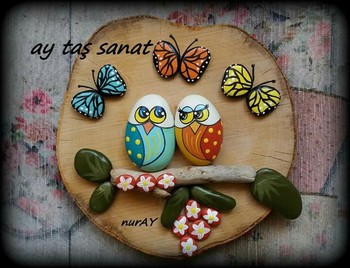 Painted rocks ! Love the butterflies !
