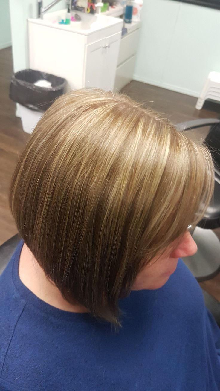 My beautiful client requested some lowlights to give her highlights some more contrast! This service definatly added some more depth and dimension ❇
