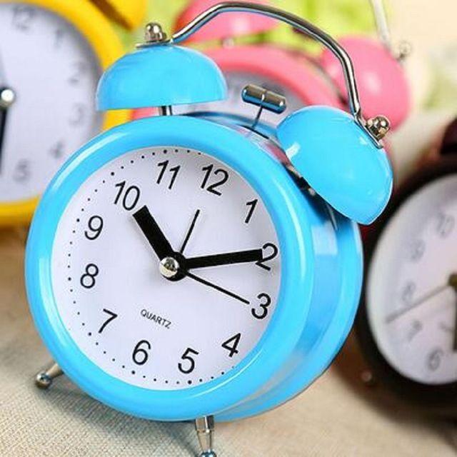 Estilo Pastoral relógio de mesa mudo cartoon clock alarme preguiçoso relógio despertador de cabeceira dos alunos para as crianças, metal relógio saat digitais em Despertadores de Home & Garden no AliExpress.com | Alibaba Group