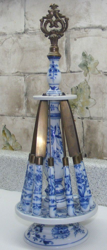antique 10 Meissen Blue Onion Small Knives Bronce Blade & Display Rack