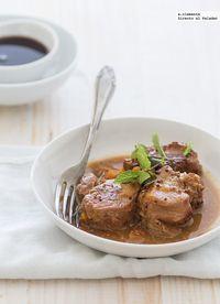 Receta de solomillo de cerdo a las tres salsas. Receta con fotos del paso a paso y sugerencias de presentación. Consejos de elaboración.Recetas...