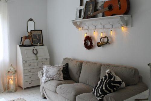 Tämän talven ensimmäiset jouluvalot ripustettu! 50-luvun talo, sisustus, brocante, maalaisromantiikka