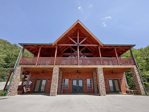 15 best eagle lodge images on pinterest smoky mountain for Eagles view cabin sevierville tn