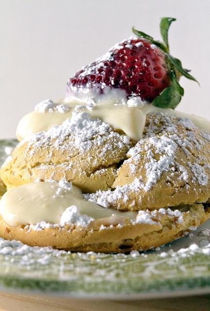 St. Joseph's Day Pastry – sfingi di San Giuseppe