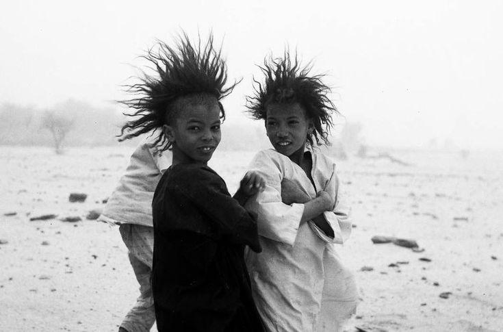 Фото из жизни народа туарегов, где царит матриархат, а мужчины лишены прав (22 фото)