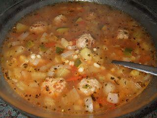 Dans les casseroles de GG: Soupe-repas à l`orge et aux boulettes de boeuf