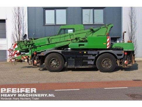 #Used #KATO - CR-250 #telescopic #crane available at #Pfeifer #Heavy #Machinery. Year of construction 2000. Loading (lifting) capacity (kg) 25000. Boom length maximum (m) 28. Fuel Diesel. Kilometers 146027. Hours 18360. PHM-Id 06710