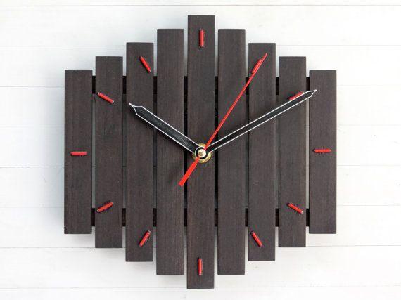 Les 25 meilleures id es concernant horloge moderne sur pinterest horloges - Horloge murale contemporaine ...