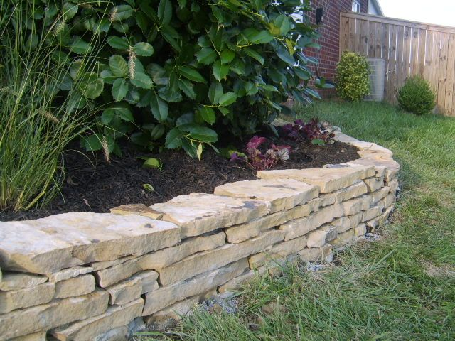 Crab Orchard Flagstone Wall In Nolensville Tn Landscaping Tips Garden Landscaping Garden