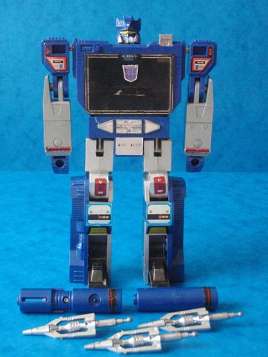 G1 Transformers - SOUNDWAVE - 1980's Robot Toy Figure CASSETTE PLAYER | eBay    I totally had one when I was a kid...found it at a yardsale...ate my tapes...silly Soundwave