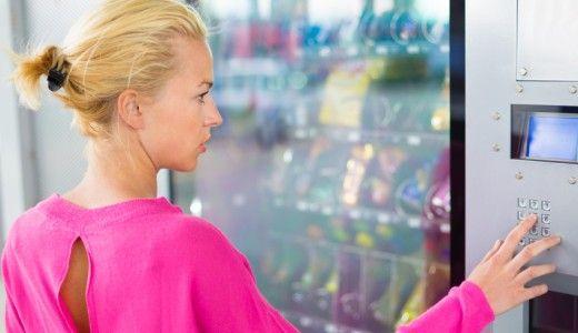 Il Servizio sanitario nazionale inglese contro bevande zuccherate e junk food negli ospedali. Accordo con alcuni grandi rivenditori e nuovi obiettivi per i prossimi due anni