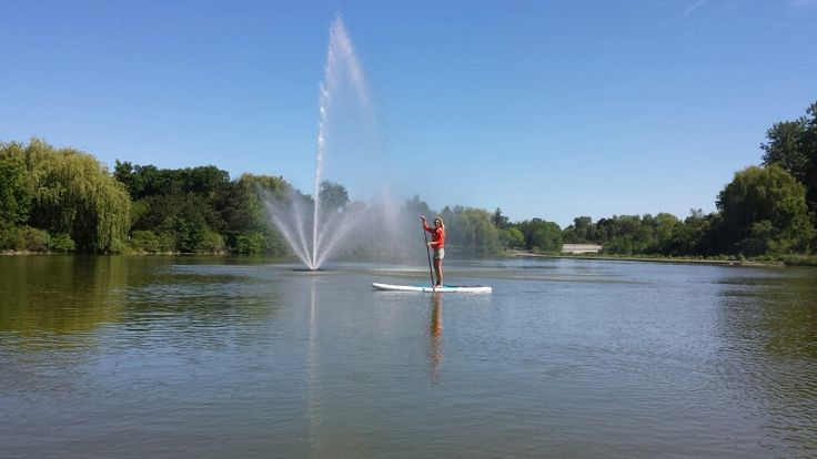 The fountain in Hoyt Lake