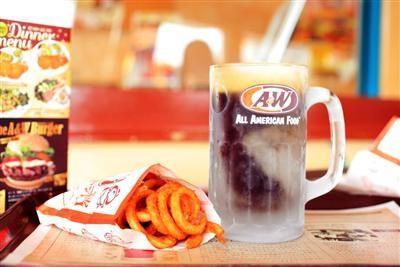 「A&W」沖縄で愛されるファストフード店
