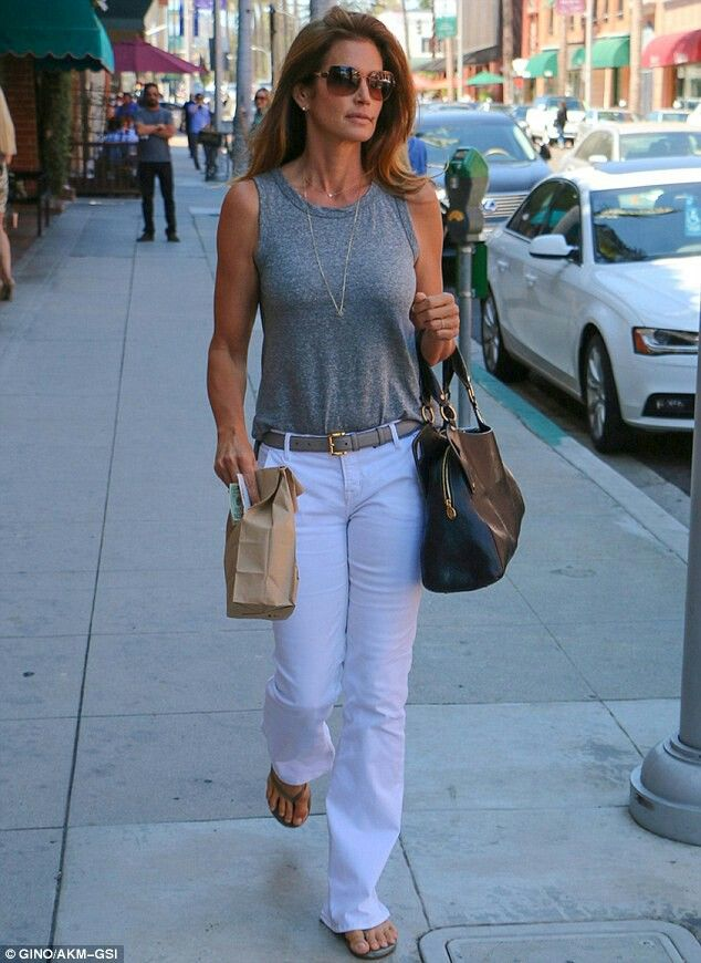 How tall is cindy crawford-4975