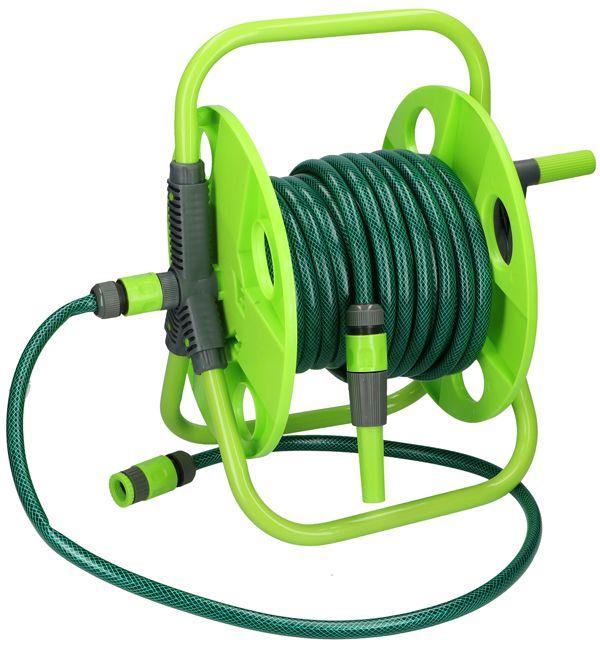 """Kinzo Slanghaspel met 15m tuinslang en accessoires  Slanghaspel met 15m tuinslang en 6 accessoires  Een losstaande slanghaspel om overal te gebruiken. Behalve een tuinslang van zo'n 15 meter worden nog 6 accessoires meegeleverd.  De tuinslang heeft een diameter van 1/2"""". Tevens is deze slang gewapend: ingeweven textiel teneinde het knikken van de slang tegen te gaan.  Het kraan-aansluitstuk is geschikt voor 2 verschillende diameters. 4 Slangkoppelingen een aansluitslang van 120cm en…"""