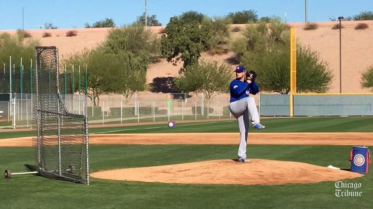 Jon Lester pitches batting practice at Cubs spring training