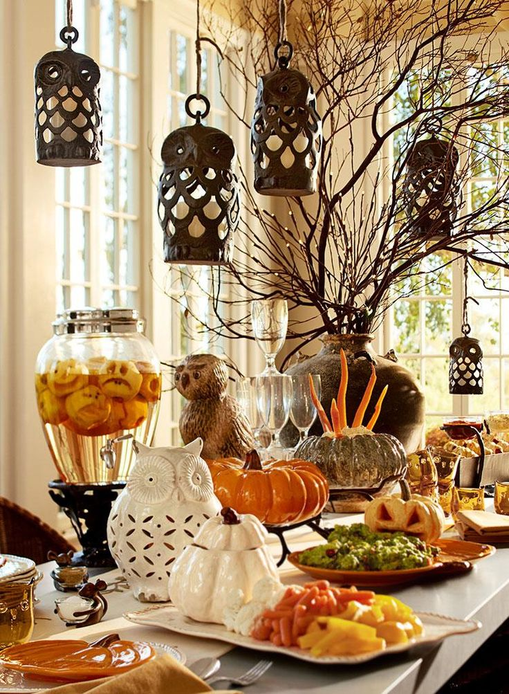 263 best halloween dining rooms images on pinterest halloween decorations halloween crafts. Black Bedroom Furniture Sets. Home Design Ideas