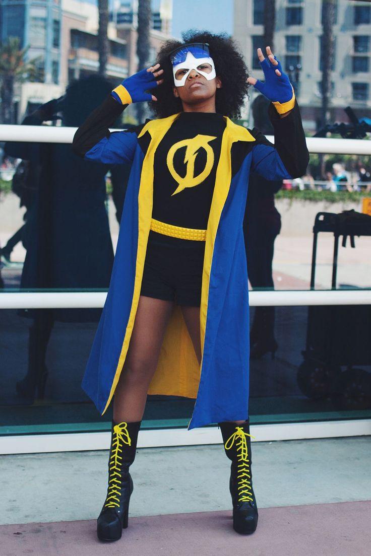 Name: Dorasae Rosario Profession: Student Costume: Static Shock #refinery29 http://www.refinery29.com/2015/07/90640/women-cosplay-costumes-san-diego-comic-con-2015#slide-3
