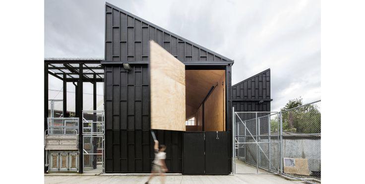 Giraffe House Auckland Zoo - Monk Mackenzie Architects + Glamuzina Paterson