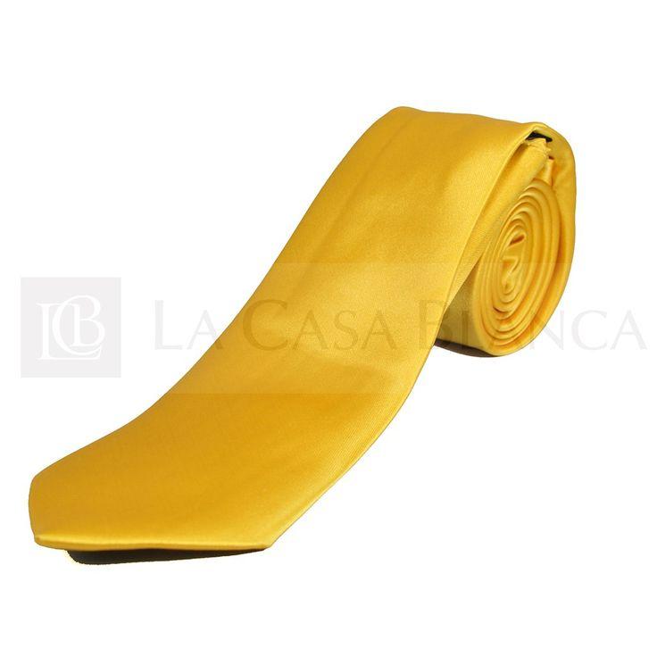 El amarillo está de moda ¡Y los novios de La Casa Blanca lo saben!  #fidanzato #Novios #Wedding #Love #Marriage #LCB #Princess #Groom #Sueño #Vsco #Vscocam #Happy #Brides #Groom #Estilo #Tendencia #Moda #Love #HappyDay #Eldíamásimportante #AmorEterno